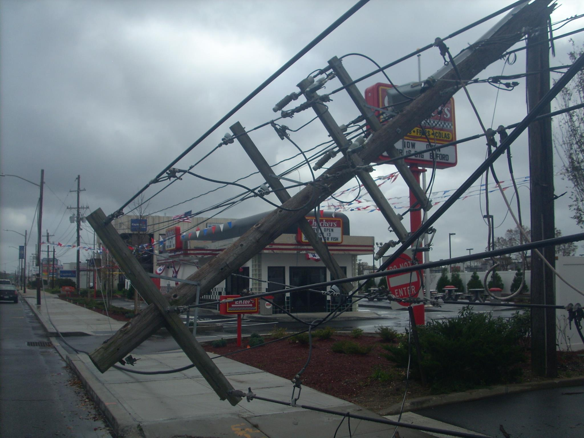The scene outside Checkers Drive-In on Sunrise Highway in Massapequa following a visit from Hurricane Sandy. (Christopher Twarowski/Long Island Press)